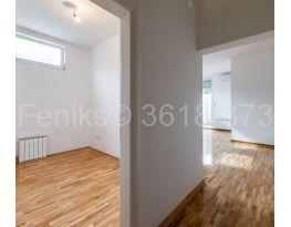 Stan u zgradi, Prodaja, Zemun (Beograd), Gornji grad